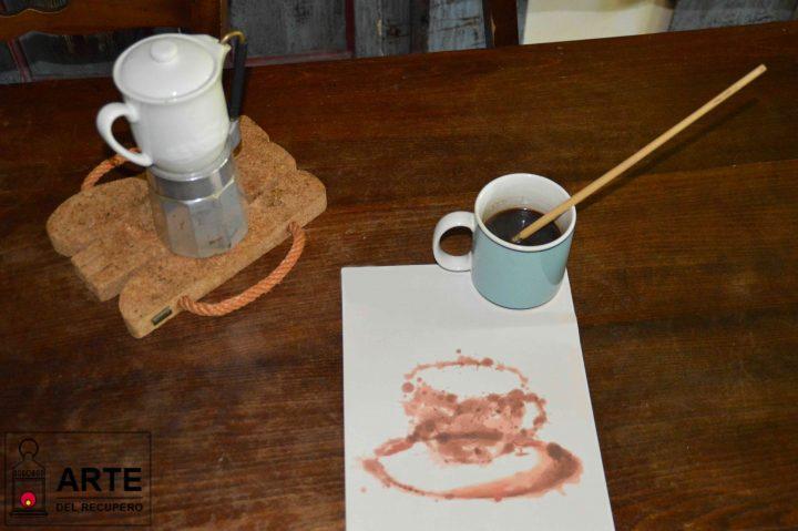 Fondi di caff come riutilizzarli ci sono veramente tanti modi l 39 arte del recupero - Allontanare i gatti dal giardino ...