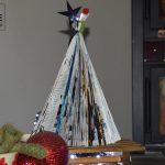 Riciclo creativo: alberello di Natale a costo zero