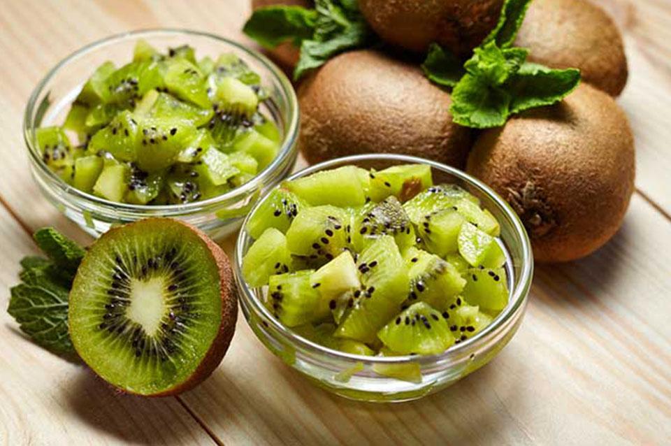 scrub kiwi pelle grassa