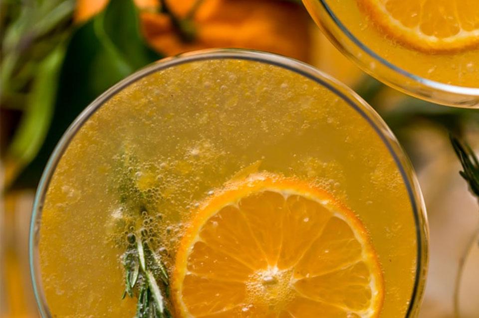 Bevanda di clementine al rosmarino e ginepro 2