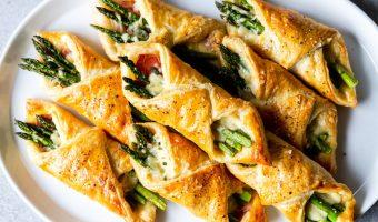 Fagottini di pasta sfoglia al prosciutto con asparagi5