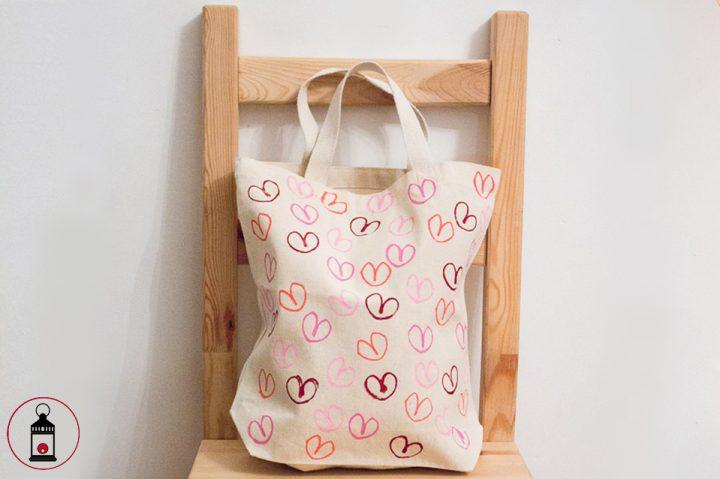 borsa con cuore stampato