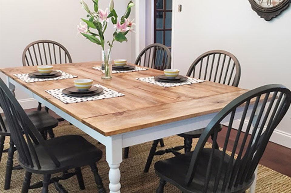 Rinnovare un vecchio tavolo da pranzo - L\'arte del recupero